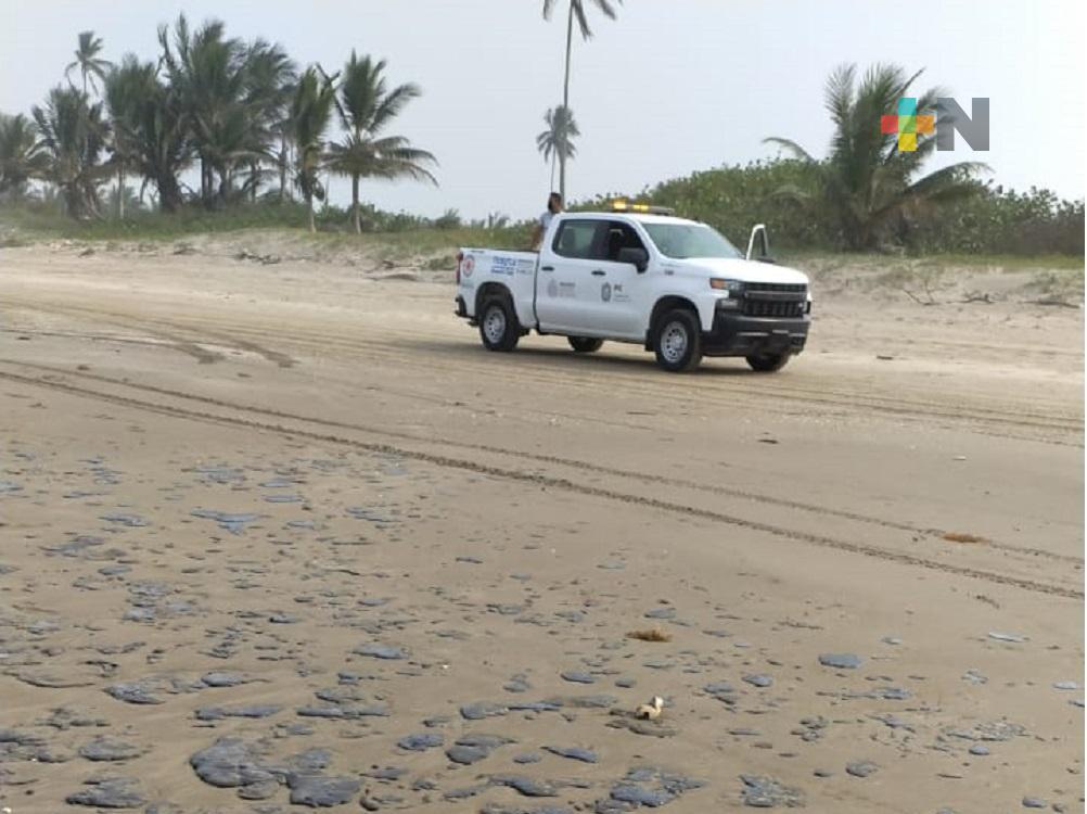 Sin determinar de donde provienen restos de hidrocarburo que arribaron a playas de Tecolutla