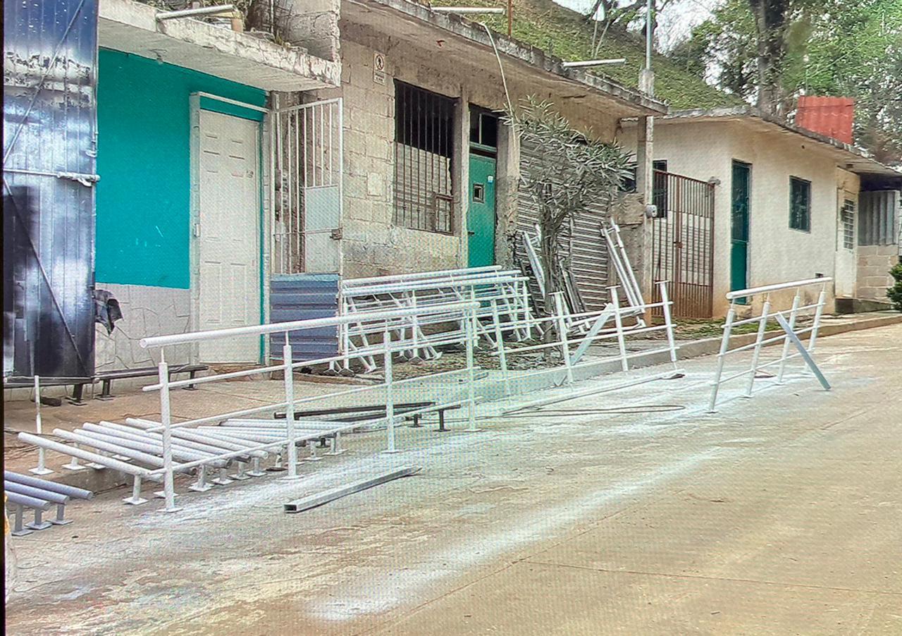 Vecinos de la colonia Unidad Antorchista se inconforman con taller de balconería