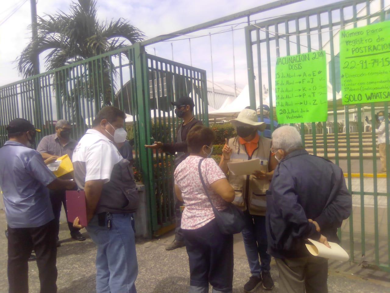 Afluencia de adultos mayores para vacuna anticovid fue rápida en el puerto de Veracruz