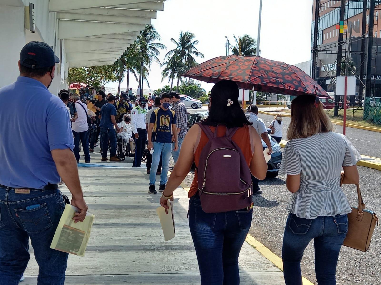 Continúa jornada de vacunación contra COVID-19 para docentes en Boca del Río