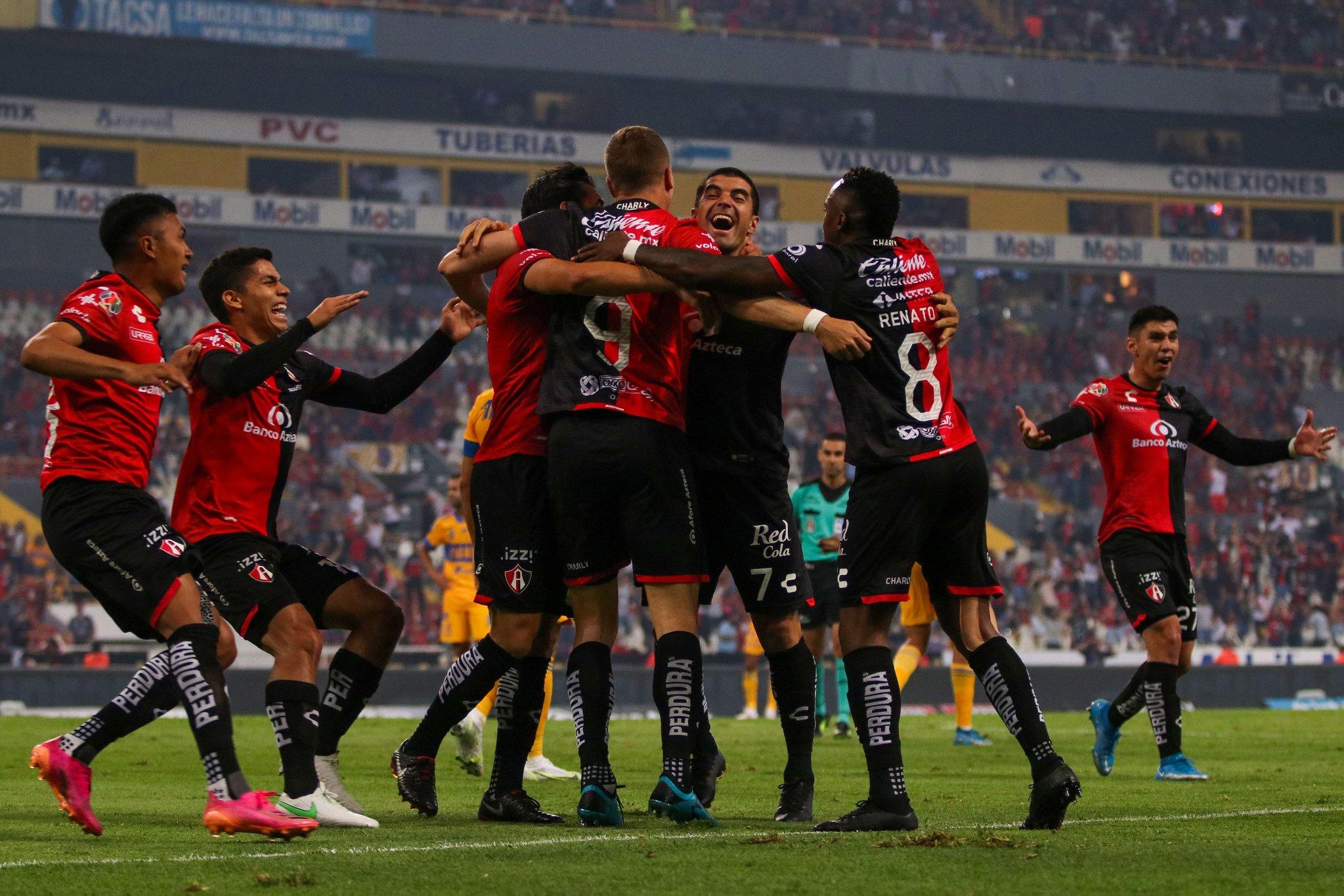 Triste adiós a la época del «Tuca» Ferreti en Tigres, Atlas los eliminó 1-0