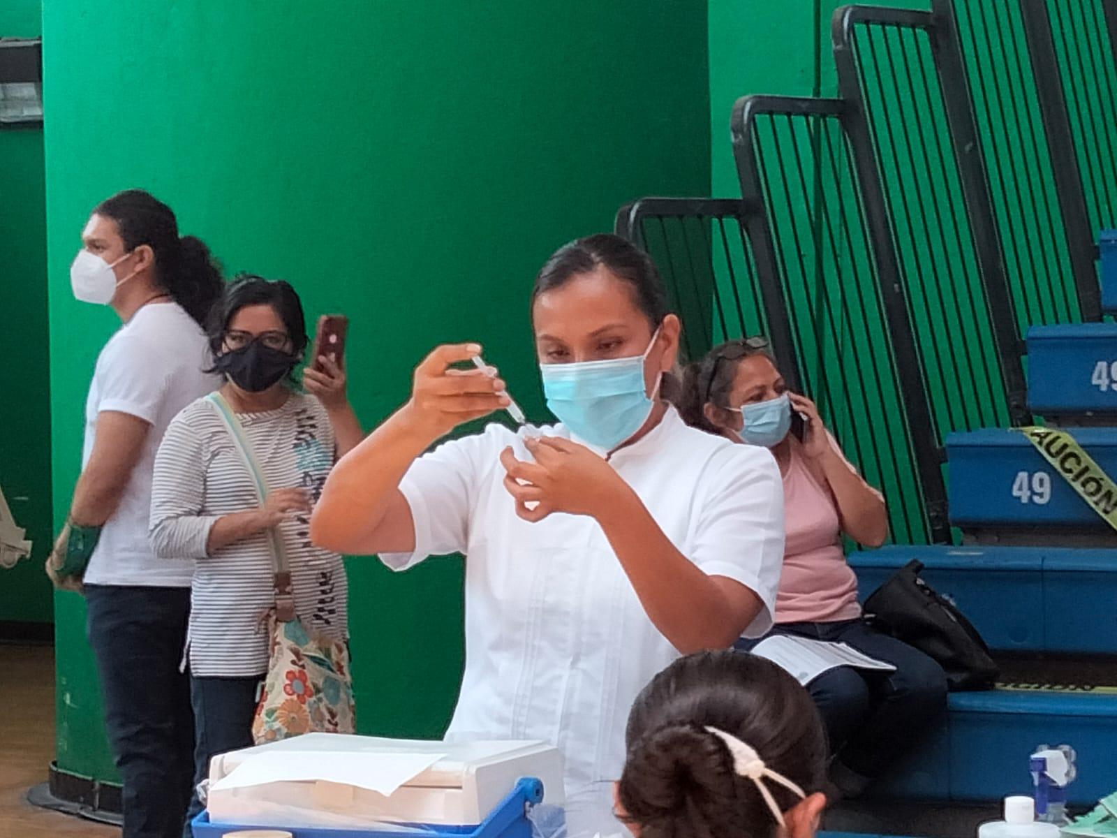 Inicia segunda dosis anticovid para personas de 40 a 49 años en Tuxpan
