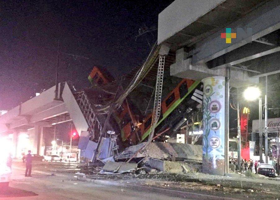Caen vagones del metro tras desplomarse puente, en CDMX