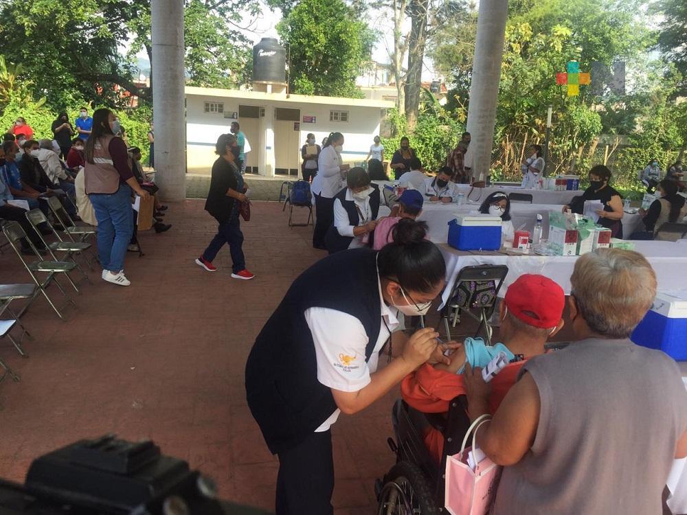 En Banderilla, hoy se inició la segunda etapa de vacunación para adultos mayores