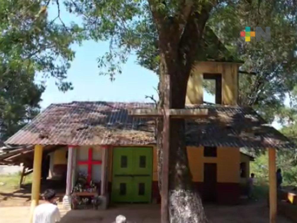 En Huayacocotla, celebran de manera sencilla el Día de la Cruz