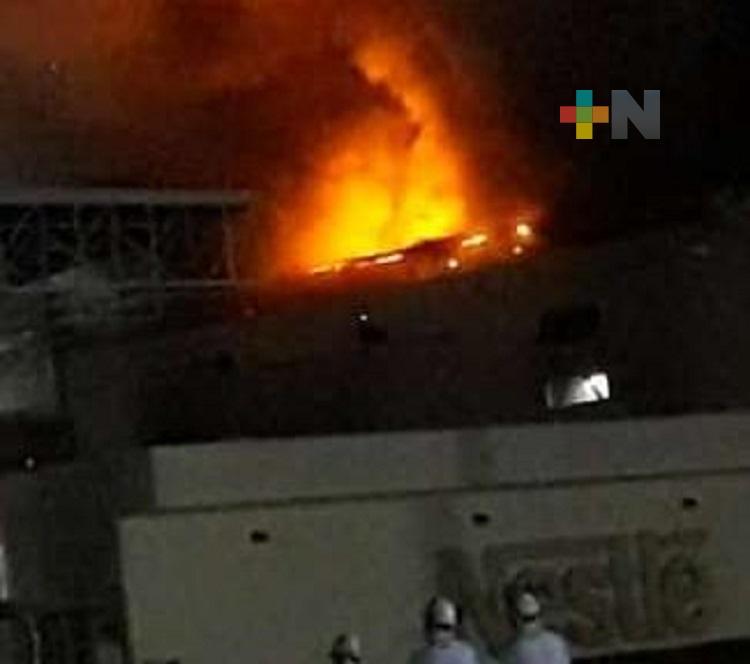Incendio generó pérdidas materiales en Planta Nestlé del puerto de Veracruz