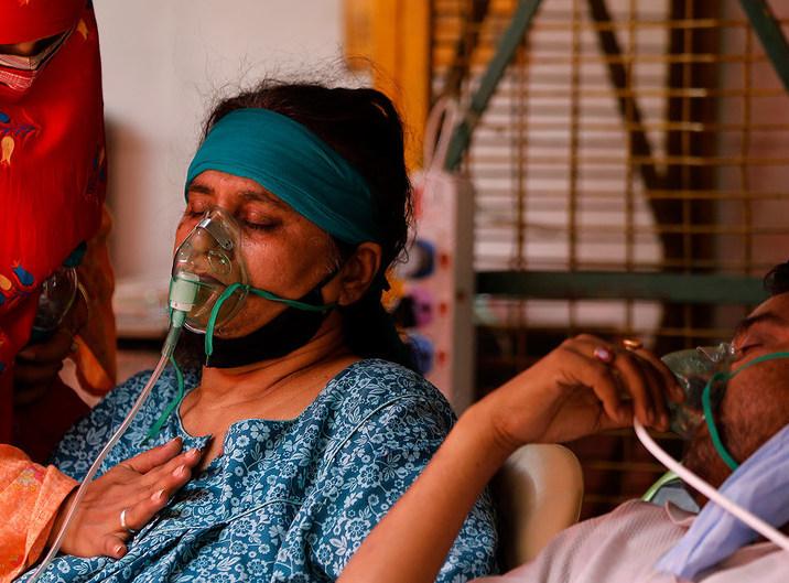 """OMS clasifica la variante del coronavirus descubierta en India como """"de preocupación mundial"""""""