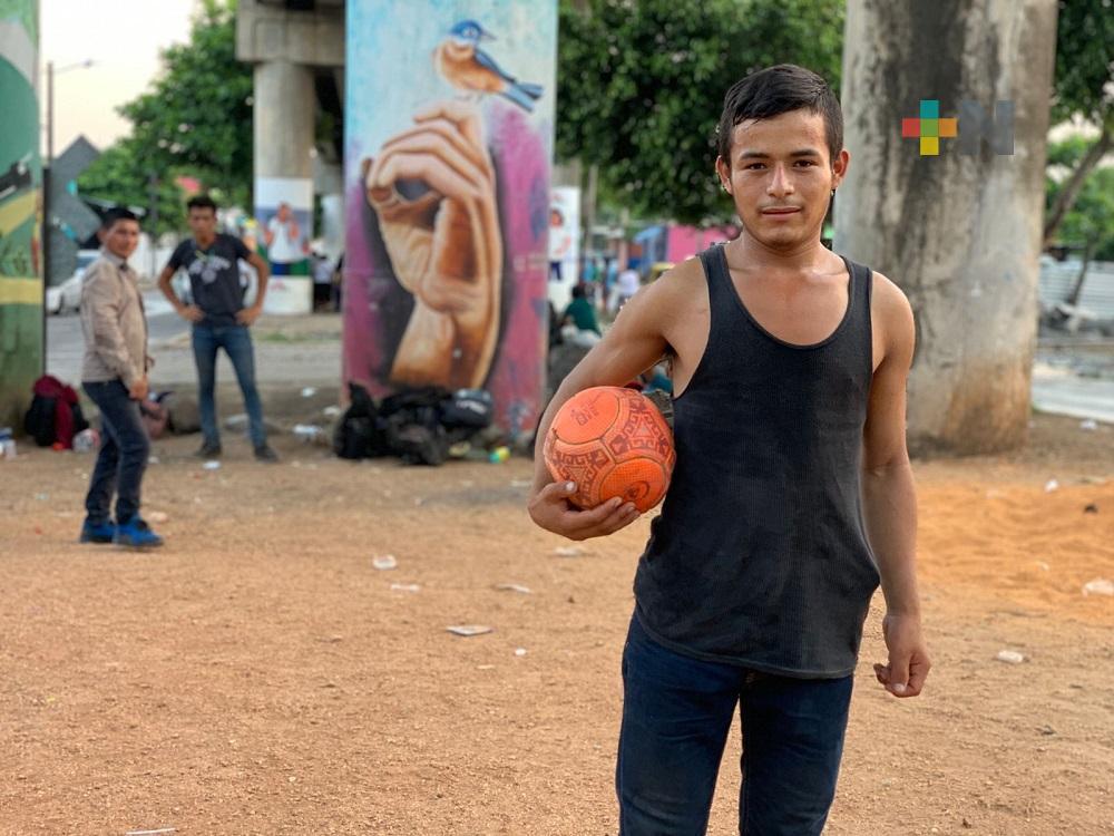Migrante hondureño sueña con conocer a Lionel Messi