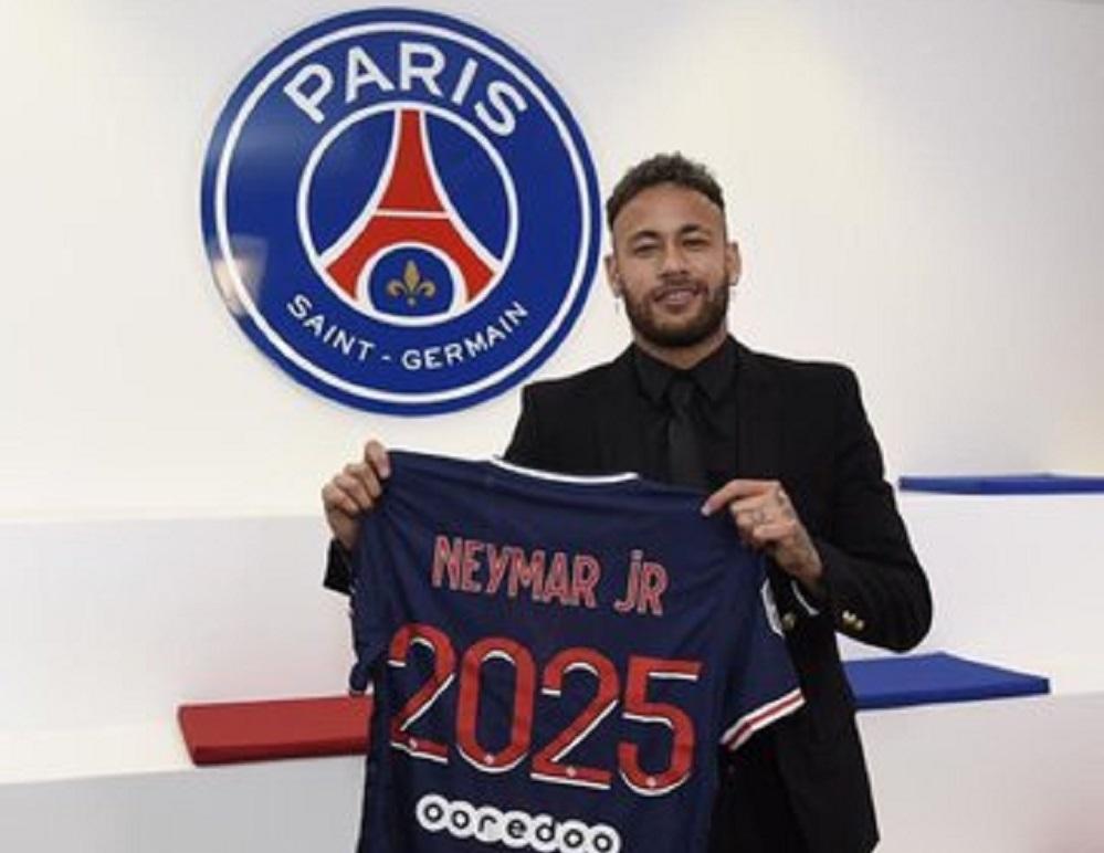 Neymar se queda en el Paris Saint-Germain hasta el 2025