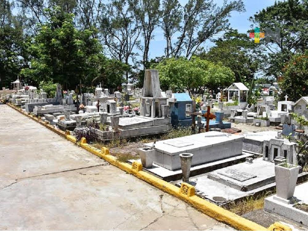 Panteones de Coatzacoalcos, se mantendrán cerrados al público este 10 de mayo