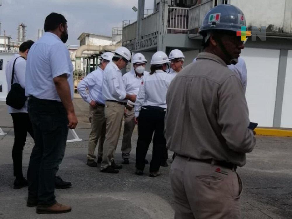 Presidente López Obrador, secretaria Rocío Nahle y gobernador Cuitláhuac García, realizaron recorrido en Refinería de Minatitlán