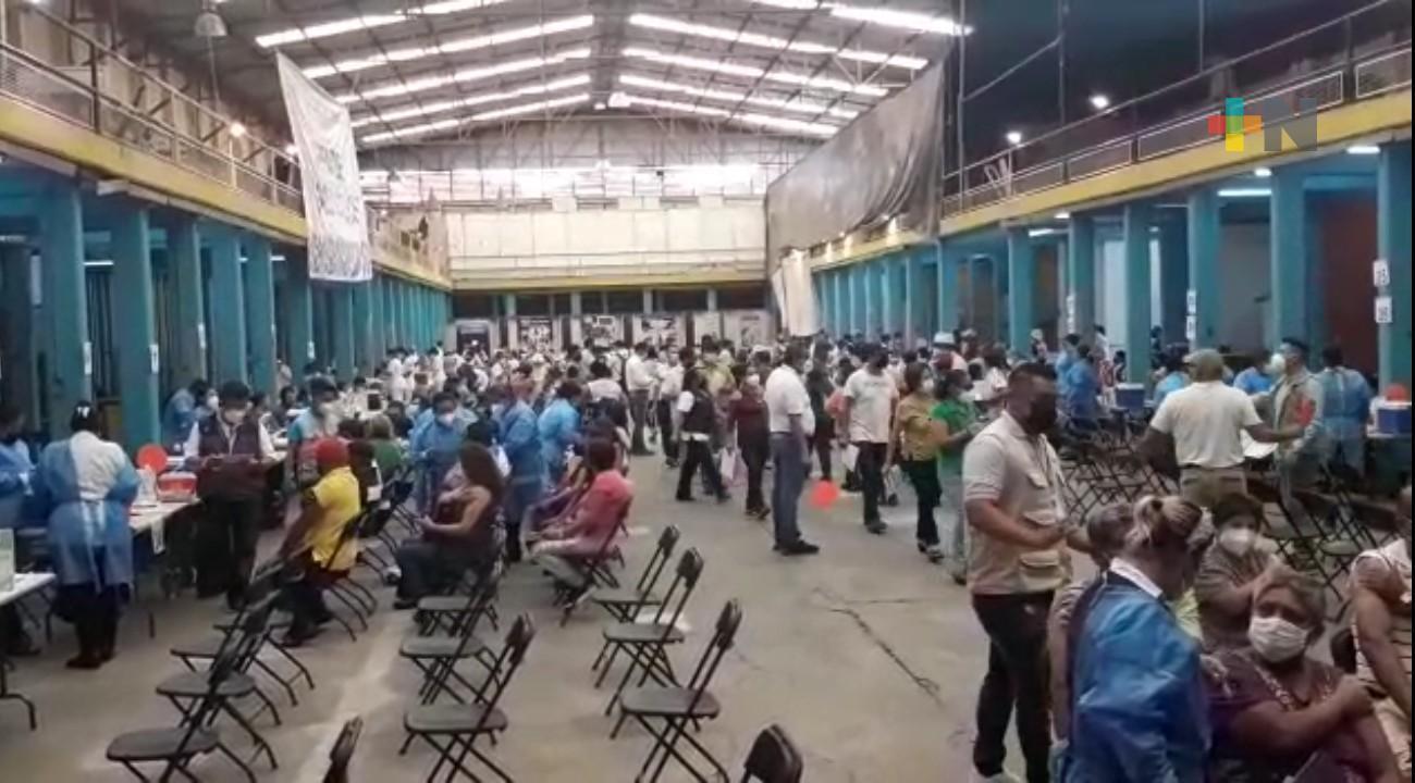 Inicia vacunación contra COVID a personas de 50 a 59 años en Orizaba