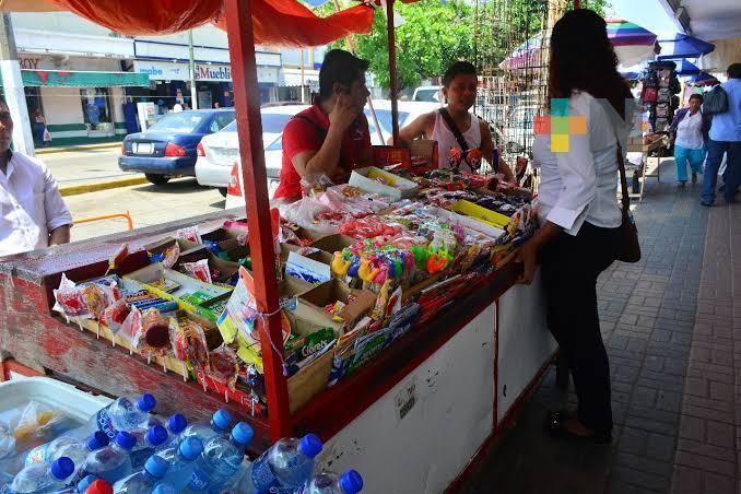 Sin decesos por COVID-19 de vendedores de dulces en puestos ambulantes de Coatzacoalcos