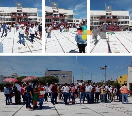 60 empresas públicas y privadas participaron en  macrosimulacro de Coatzacoalcos