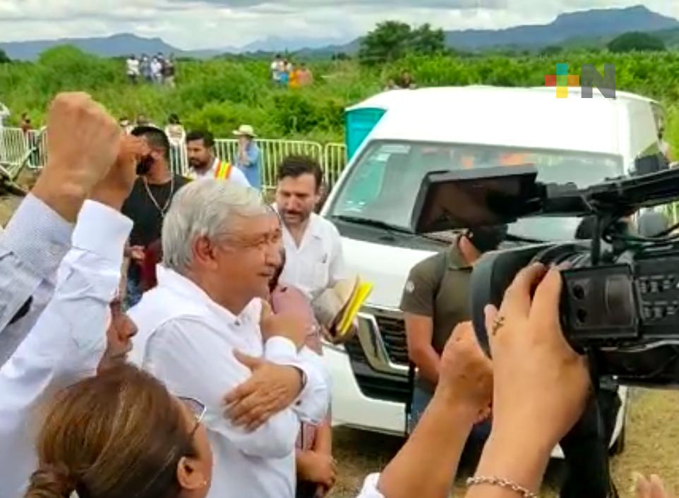 Importante programa de rehabilitación carretera para Veracruz, anunció AMLO