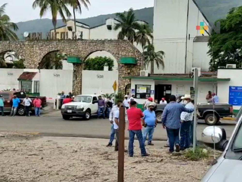 Cañeros tomaron Ingenio San Nicolás, piden destitución de gerente de campo