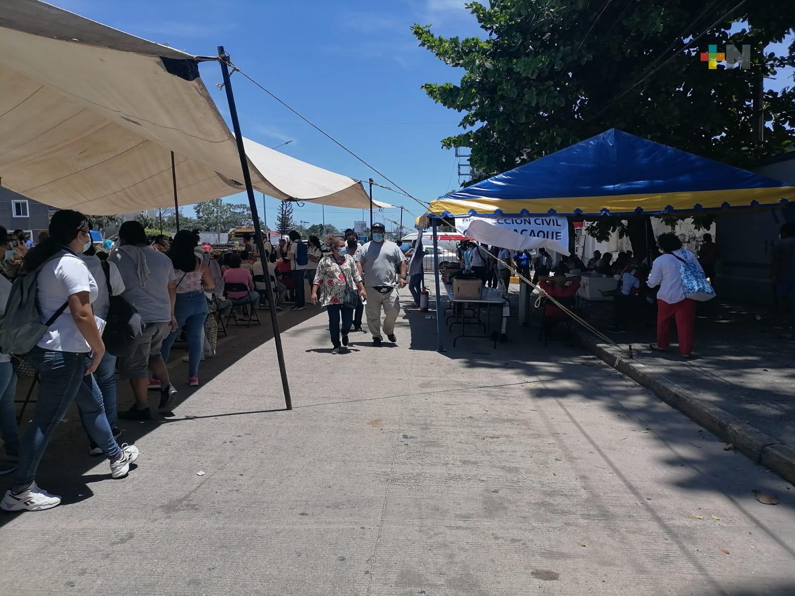 Inicia vacunación contra COVID a personas de 40 a 49 años en Minatitlán y Cosoleacaque
