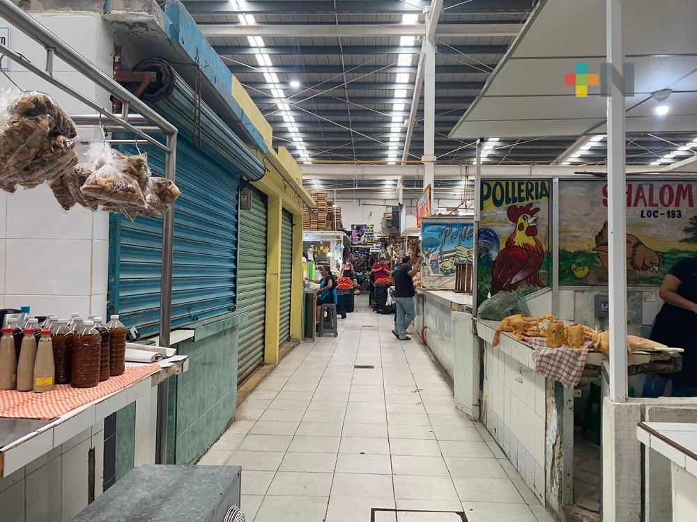 Locatarios del mercado Morelos de Coatzacoalcos esperan mejoras para este sector