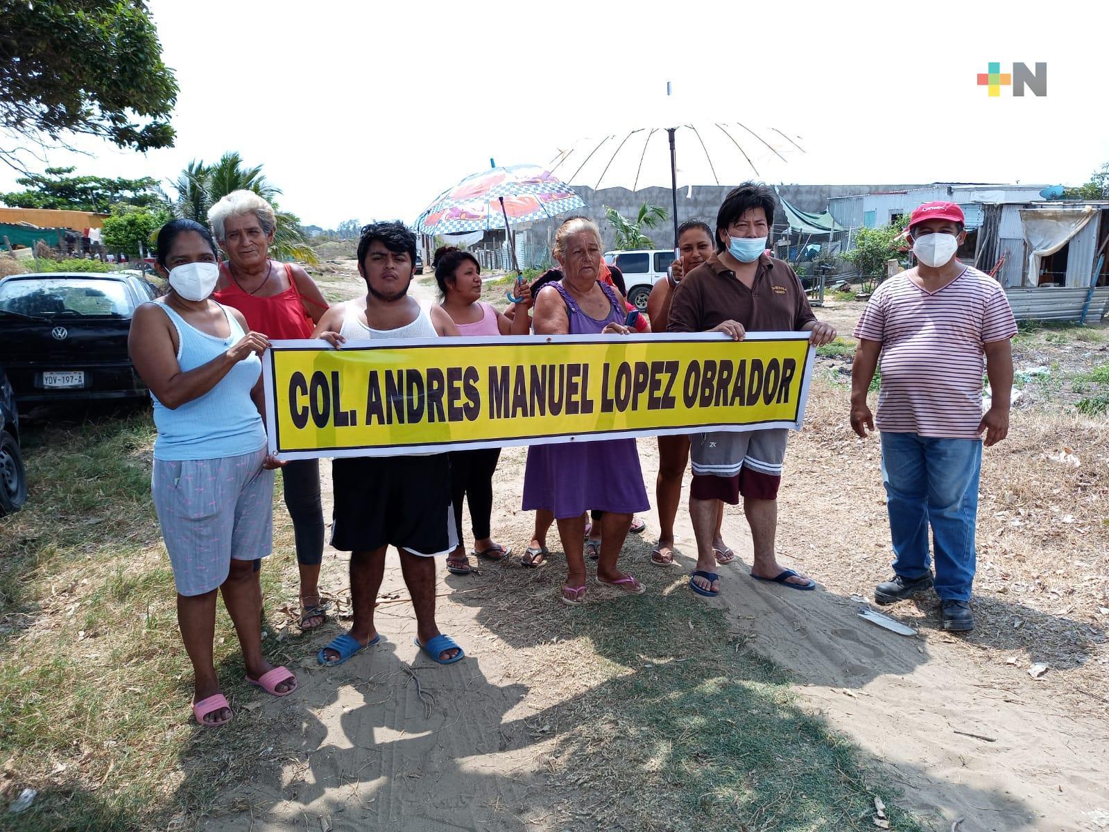 En Coatzacoalcos, grupo de personas conformaron colonia con nombre del Presidente de México