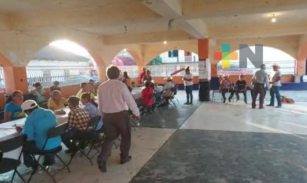 Celebraron a los padres de familia en la sierra de Huayacocotla e Ilamatlán