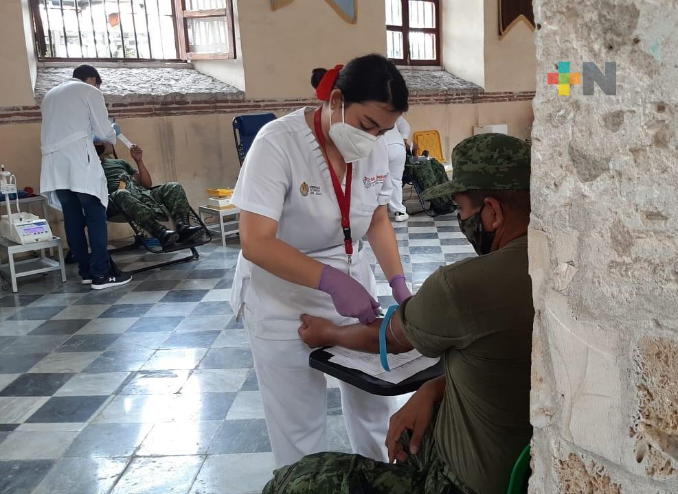 Un mes después de ser dadas de alta de COVID-19, personas pueden donar sangre