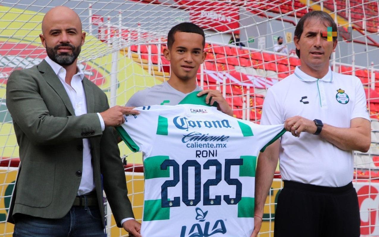 Ronaldo Prieto renovó contrato en Santos Laguna