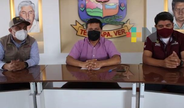 Atiende responsable del Registro Civil de la zona centro quejas en el Registro Civil de Tezonapa