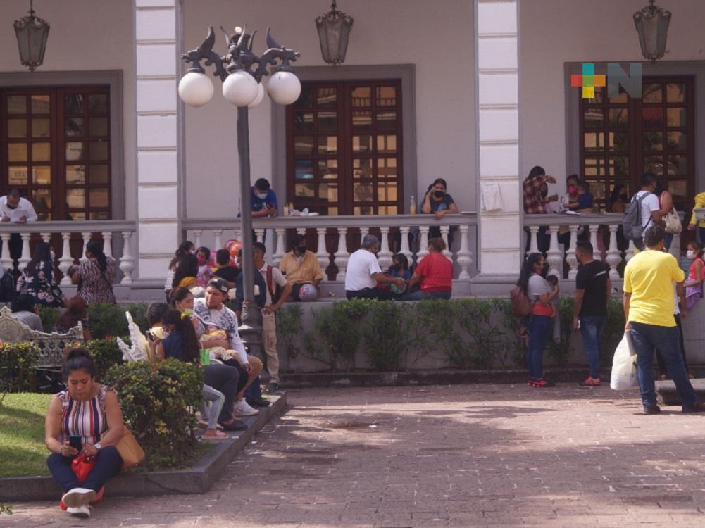 En el puerto de Veracruz piden a jóvenes concientizarse y no relajar medidas sanitarias