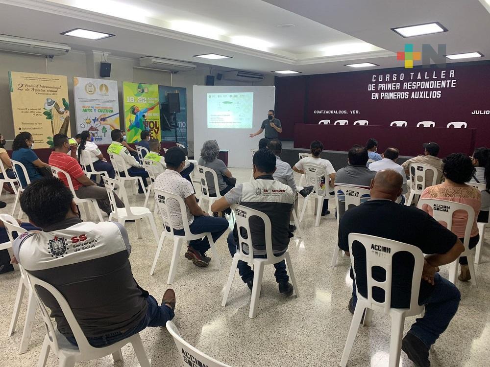 Capacitan a personal del Ayuntamiento de Coatzacoalcos, dependencias estatales y federales en primeros auxilios