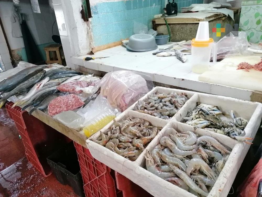 Comerciantes de mariscos de Coatzacoalcos enfrentan nueva crisis por tercera ola de coronavirus
