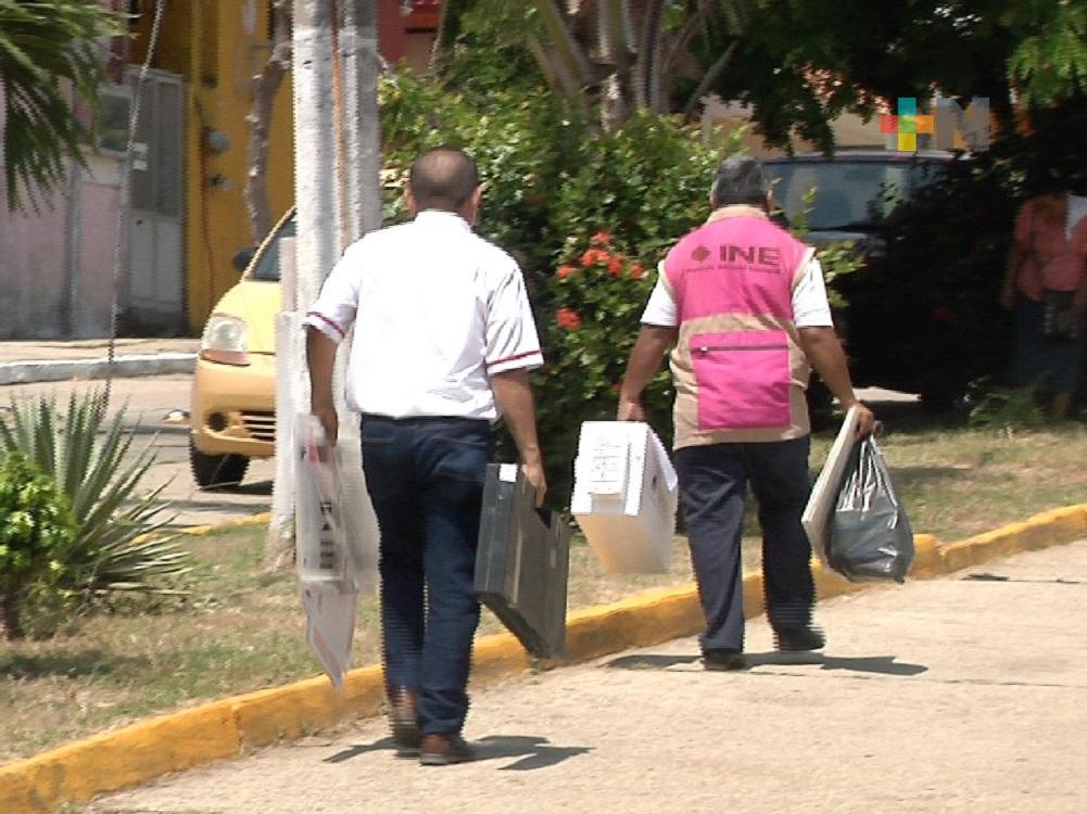 En Coatzacoalcos, INE entregó paquetería  y documentación para consulta popular del 1 de agosto