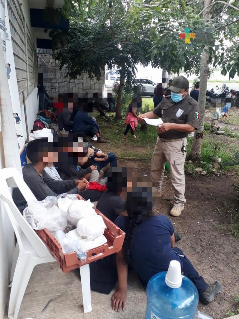 Resguarda SSP a 67 migrantes; asegura un tractocamion