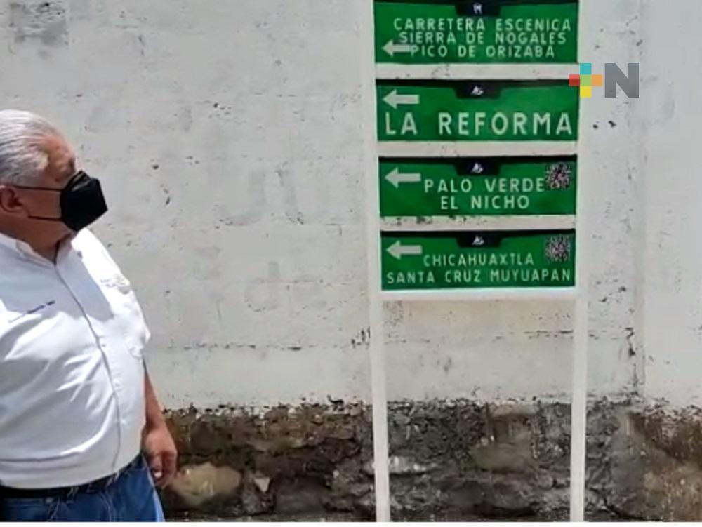 Integrantes de Club Rotario Nogales colocaron señalética  para promover turismo