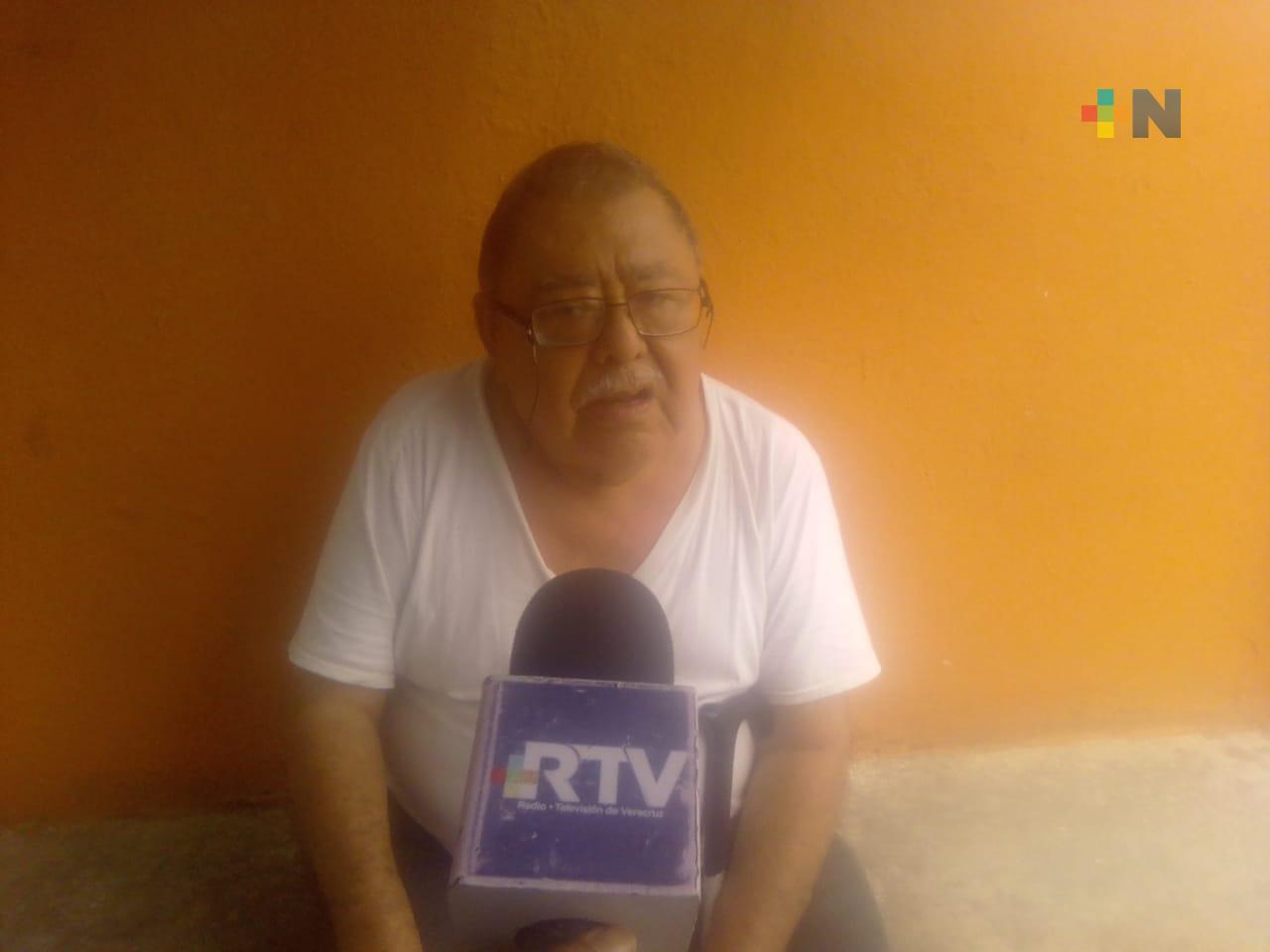 Desde hace un año llega agua en mal estado a su casa en fraccionamiento Los Pinos de Veracruz