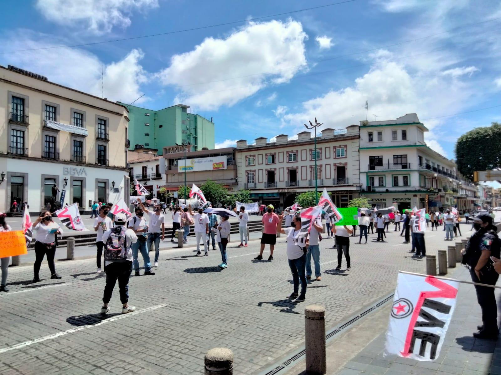 Vendedores ambulantes se manifestaron por las calles de Xalapa