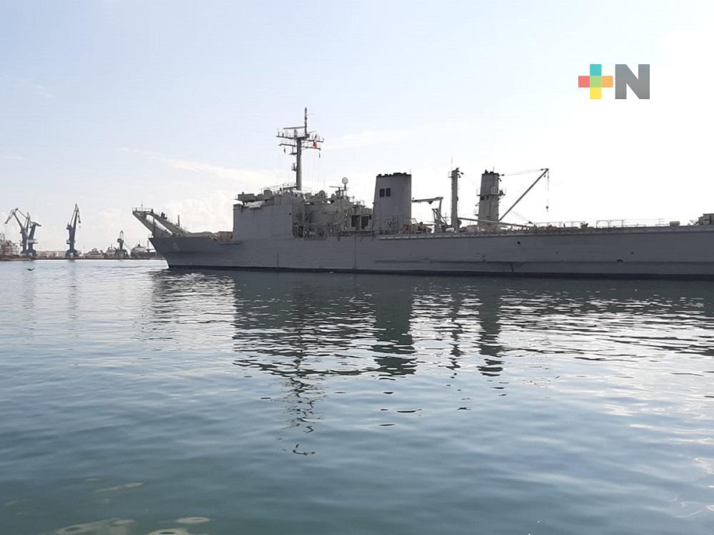 Desde el puerto de Veracruz zarpó buque con ayuda humanitaria de México a Cuba