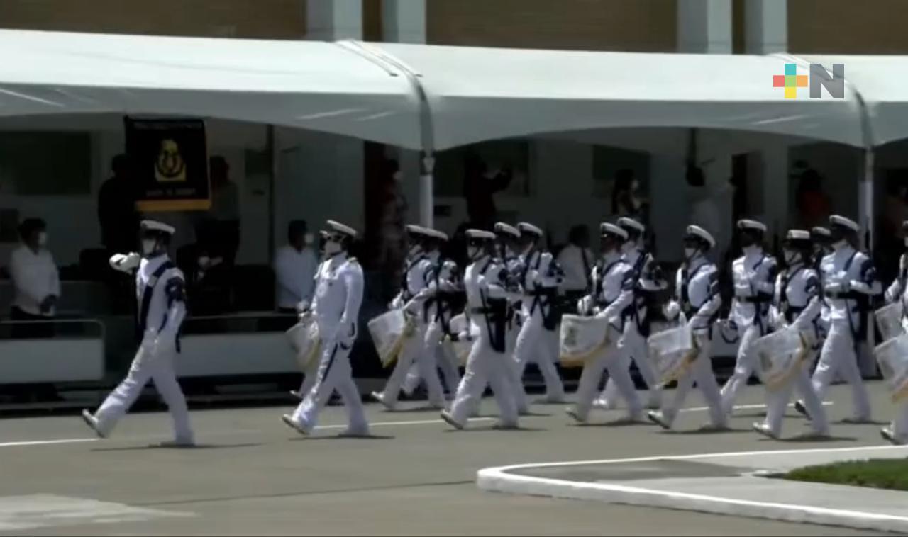 Autoridades encabezaron ceremonia de graduación en Escuela Naval Militar de Antón Lizardo