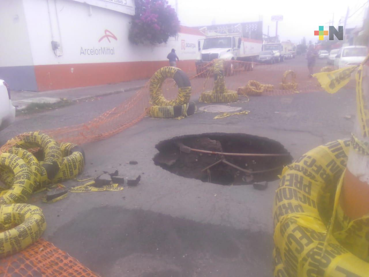 Reportan socavón en el fraccionamiento Los Pinos de Veracruz