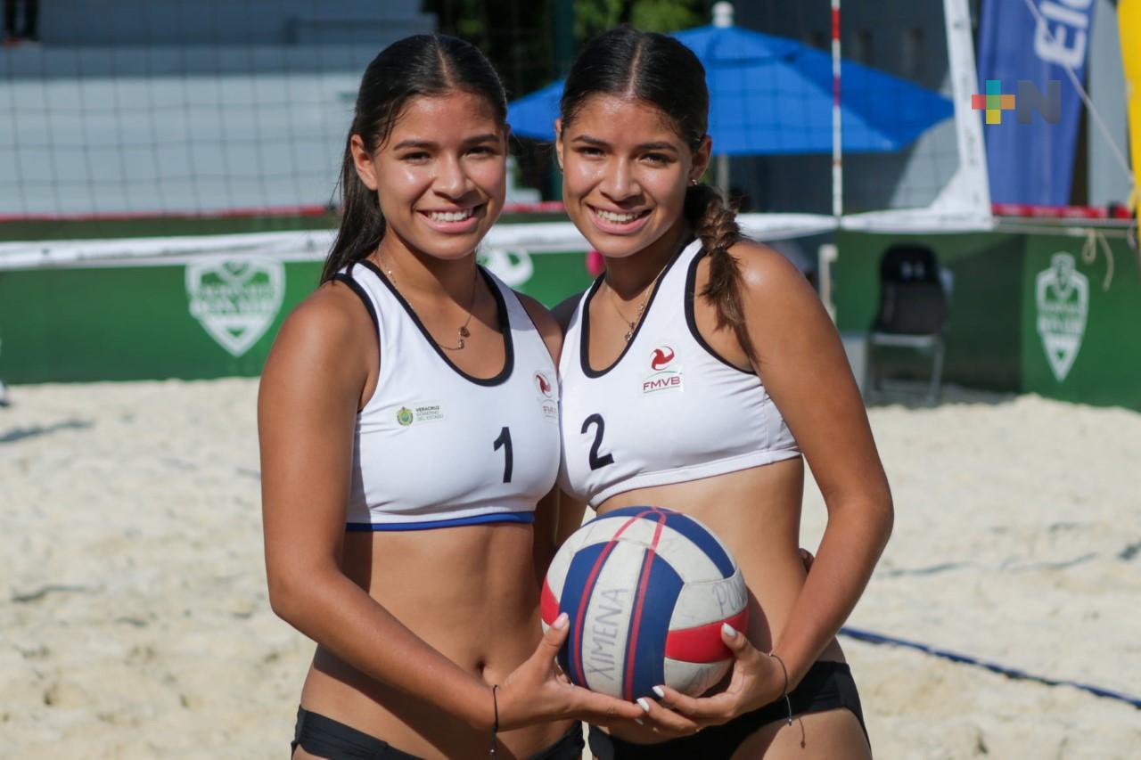 Gemelas Chay Álvarez dan plata a Veracruz en voleibol de playa de Nacionales Conade