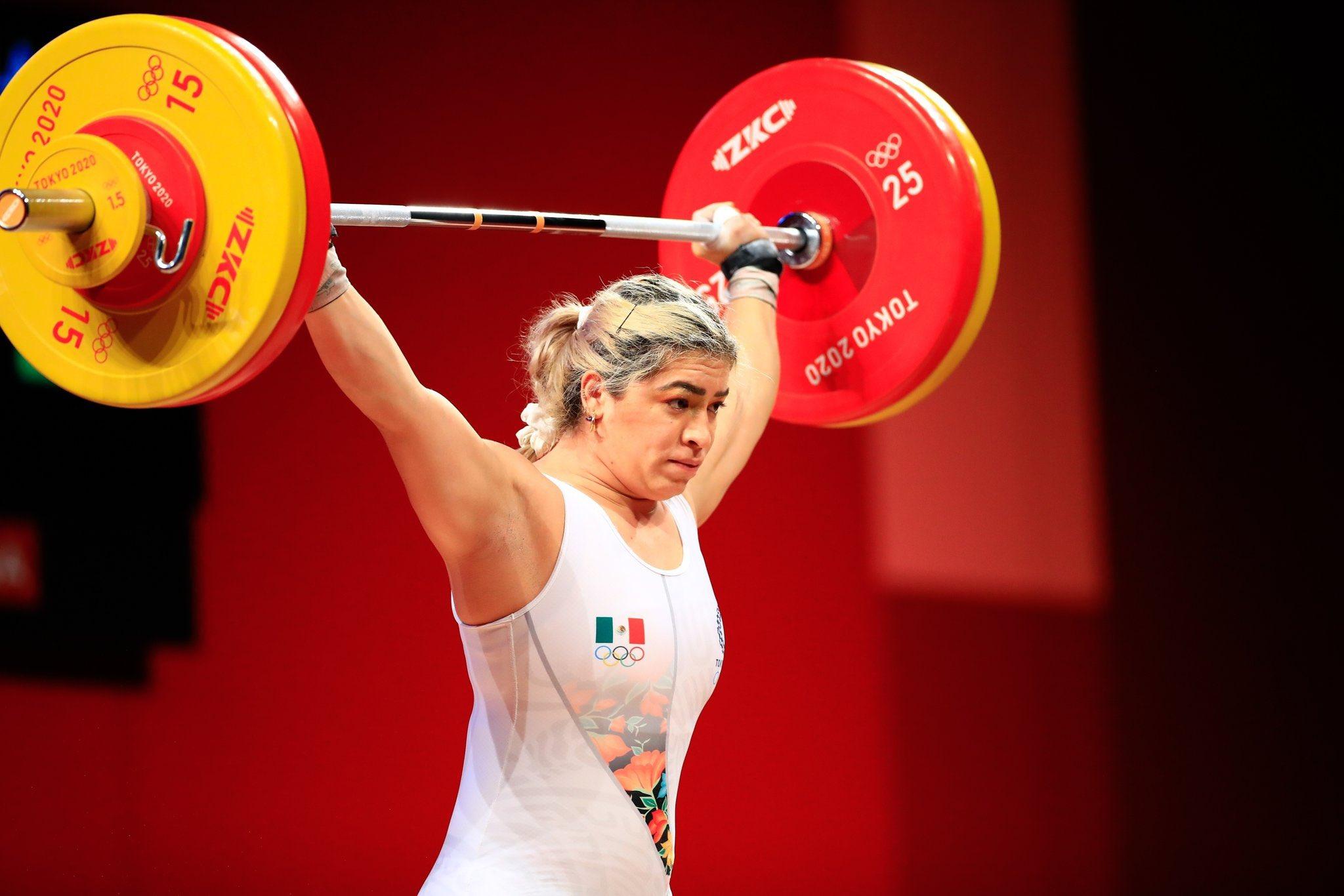 Otro bronce para México; Aremi Fuentes logró el tercer lugar en levantamiento de pesas