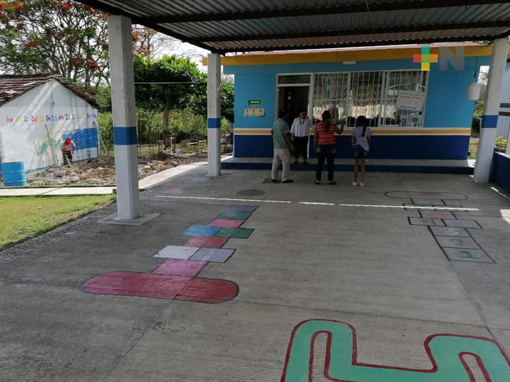 En Tuxpan, escuelas afectadas por Grace recibirán apoyo