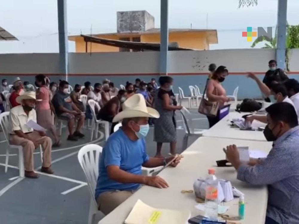 Entregan apoyos a familias afectadas por Grace, en municipio de Coxquihui