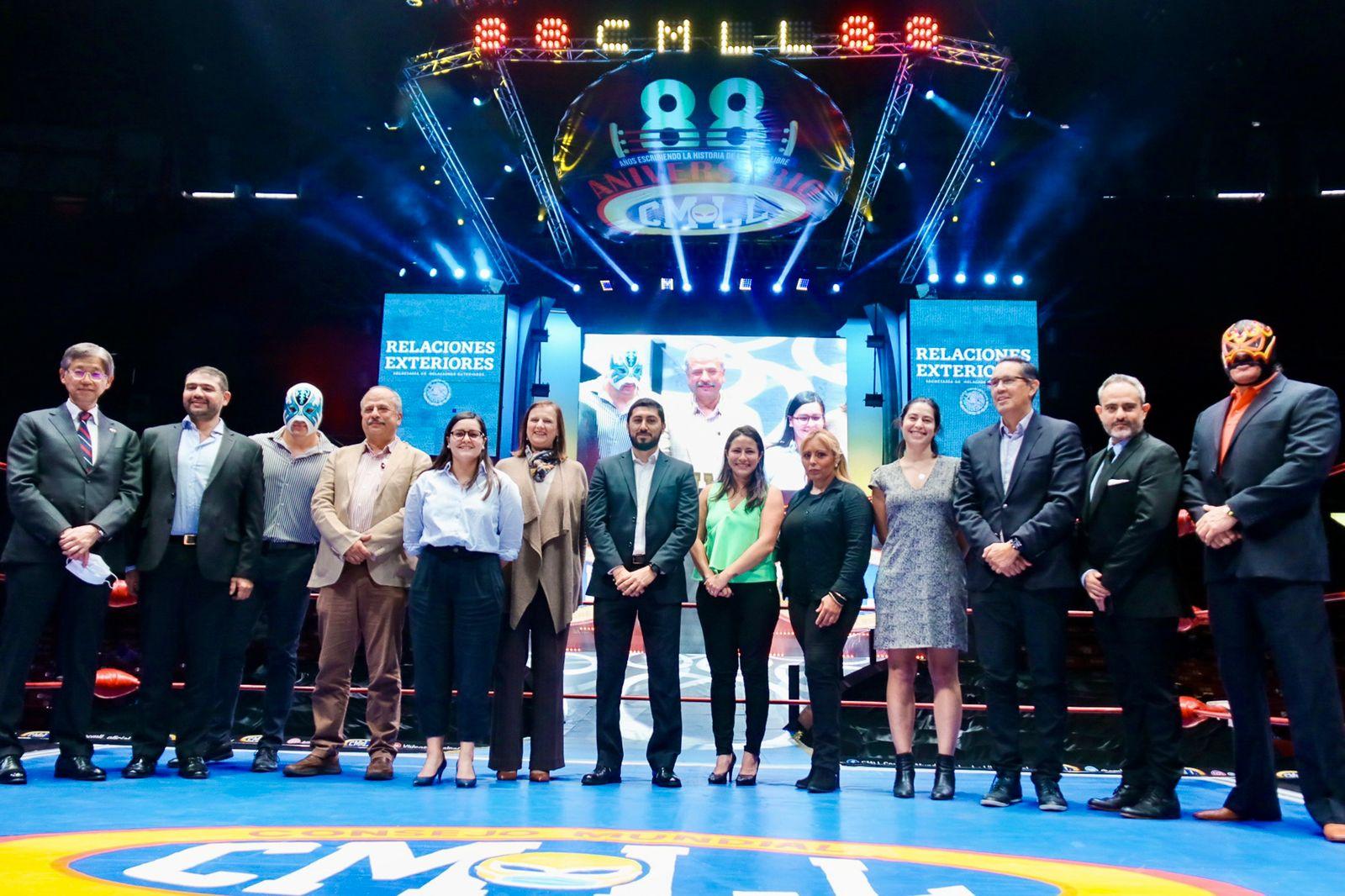 """SRE y CMLL presentaron la campaña de diplomacia deportiva """"Desenmascarando la lucha libre"""""""