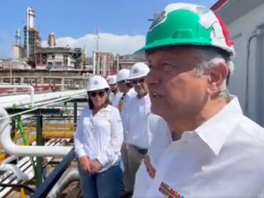 En su visita a Minatitlán, el Presidente destacó los avances en rehabilitación de la Refinería Lázaro Cárdenas
