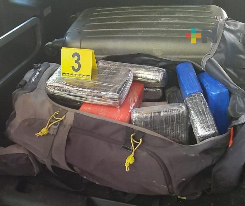 La FGR aseguró más de 72 kilos de cocaína, en Pánuco