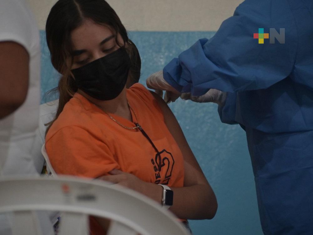 Buena respuesta de población de 18 a 29 años a Jornada de Vacunación en Tantoyuca