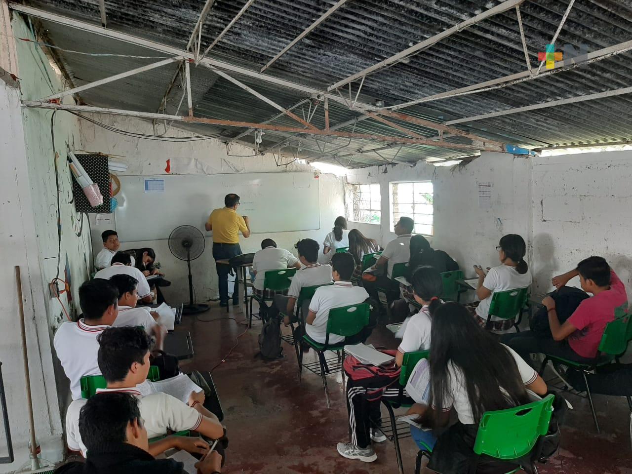 Con modelo híbrido, más de 2 mil alumnos del Teba en Tuxpan