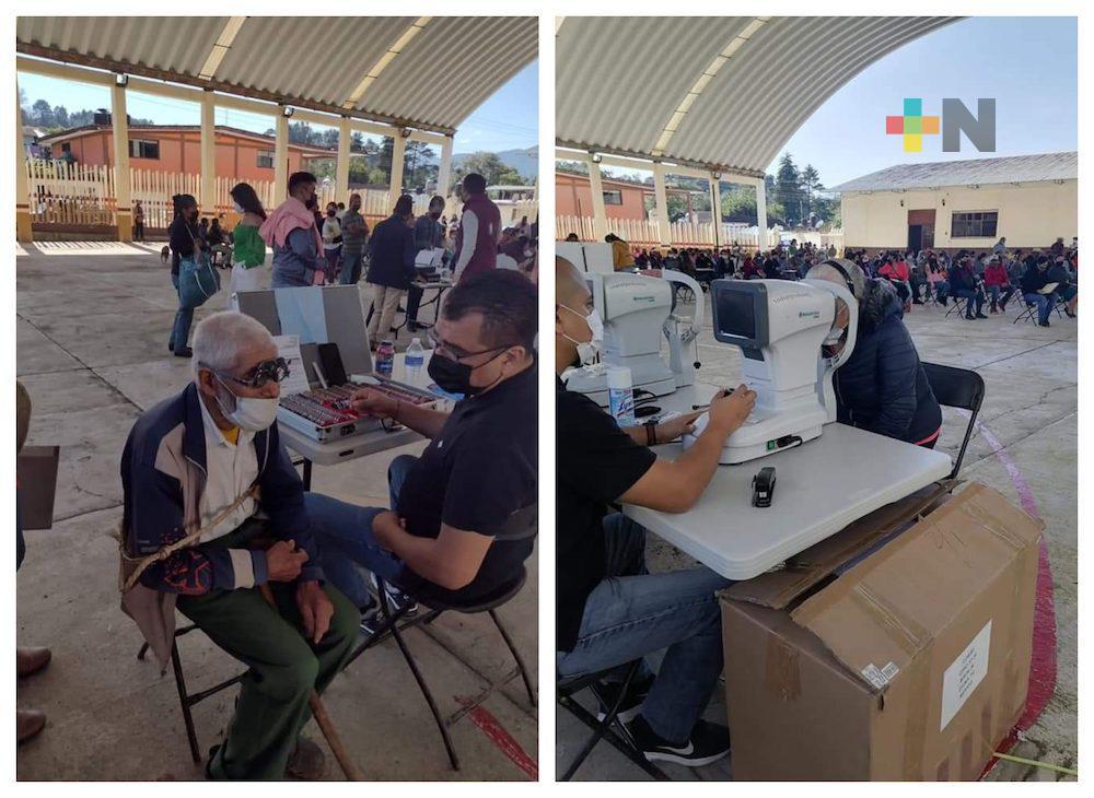 Lleva DIF Estatal jornada de lentes gratuitos en municipio de Zacualpan
