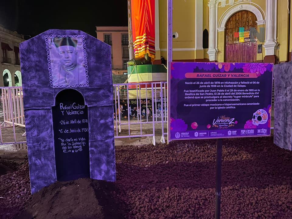 Segob y DIF Estatal invitan a visitar réplica del «Panteón 5 de Febrero» en Plaza Lerdo