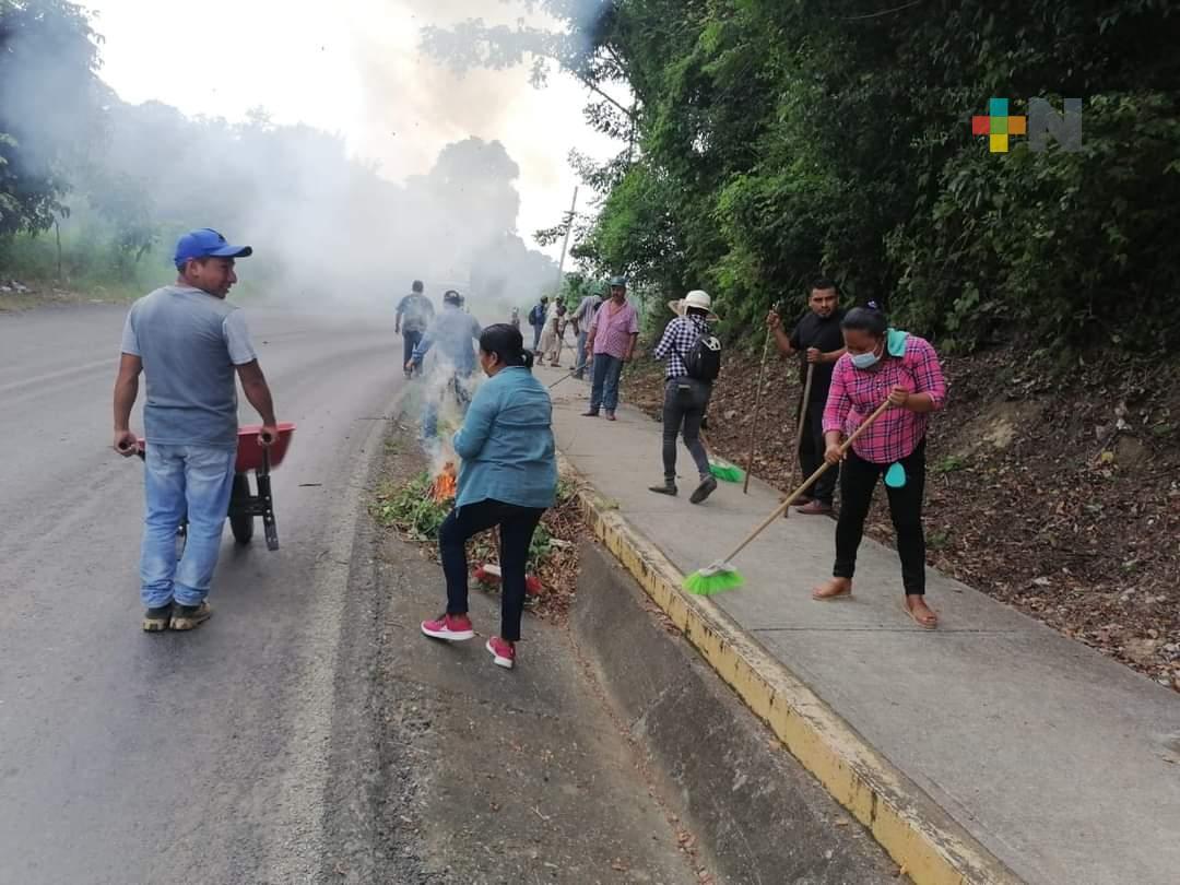 En Ixhuatlán de Madero realizan Jornada de Descacharrización
